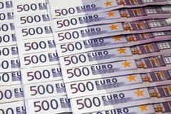 Muchos 500 billetes de banco euro Imágenes de archivo libres de regalías