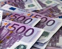 Muchos 500 billetes de banco euro Imagen de archivo