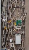 Muchos alambres enredados viejos sucios fotos de archivo libres de regalías