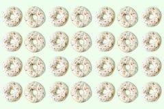 Muchos anillos de espuma con asperjan Foto de archivo libre de regalías