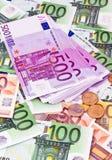Muchos billetes de banco euro Imágenes de archivo libres de regalías