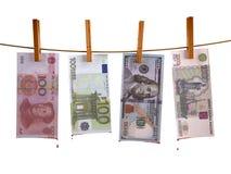 Muchos billetes de banco hunging con sangre Fotos de archivo