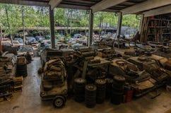 muchos coches viejos fotos de archivo