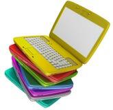 Muchos colorean las computadoras portátiles Imagen de archivo libre de regalías