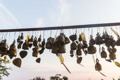 Muchos desean campanas y corazones en Phuket área grande de Buda, señal o Fotos de archivo