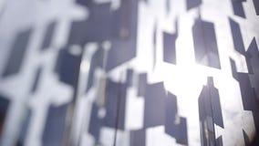 Muchos espejos cuelgan en las cuerdas en el viento en la ciudad Letonia de Riga almacen de video