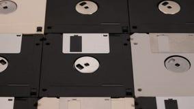 Muchos 3 las diskettes del ordenador de 5 pulgadas arreglaron en una superficie plana