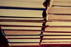 Muchos libros Fotos de archivo libres de regalías
