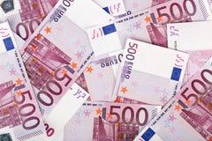 Muchos manojo de 500 billetes de banco euro fotos de archivo