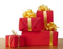 Muchos rectángulos de regalo rojos Fotos de archivo