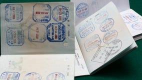 Muchos sellos de visa almacen de metraje de vídeo