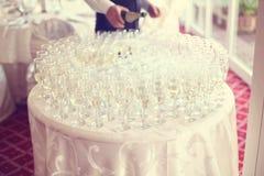 Muchos vidrios de champán Imágenes de archivo libres de regalías