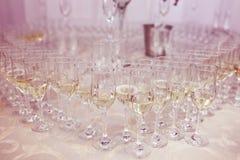 Muchos vidrios del champán Imágenes de archivo libres de regalías