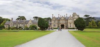 Muckross hus i den Killarney nationalparken Royaltyfri Bild