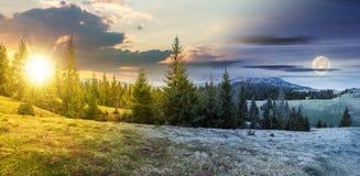 Mudança do tempo no campo montanhoso na mola fotografia de stock
