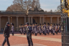 Mudando o protetor, Buckingham Palace Foto de Stock Royalty Free