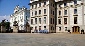 Mudando o protetor Ceremony no castelo de Praga Fotos de Stock Royalty Free