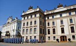 Mudando o protetor Ceremony no castelo de Praga Imagem de Stock