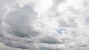 Mudanza de las nubes de lluvia metrajes