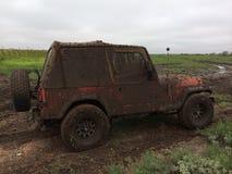 Mudbogging nella jeep Fotografia Stock Libera da Diritti