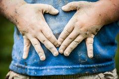 Muddy Little Boy lizenzfreies stockfoto