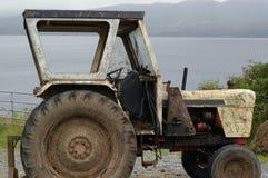 Muddy Tractor Royaltyfri Fotografi