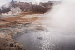 Mudpots dans le secteur géothermique Namafjall Photo libre de droits