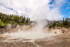 mudvulkan yellowstone Royaltyfri Foto