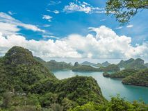 Mue酸值Angthong国家公园,苏梅岛看法  免版税库存照片