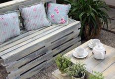 Muebles de la terraza de la madera Imagen de archivo libre de regalías