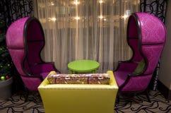 Muebles del cuento de hadas en hotel Imagen de archivo libre de regalías
