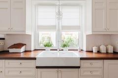 Muebles elegantes de la cocina Fotos de archivo