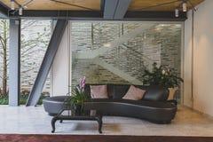 Muebles en la exhibición en Fuorisalone durante Milan Design Week 201 Imagenes de archivo