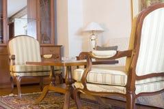 Muebles en una habitación de hotel Fotografía de archivo libre de regalías