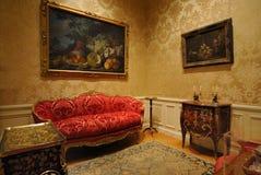 Muebles europeos clásicos imagen de archivo