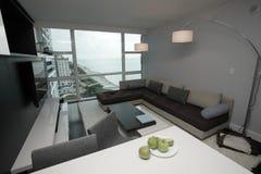 Muebles modernos del apartamento Fotos de archivo libres de regalías