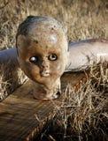 Muñeca abandonada Imagen de archivo