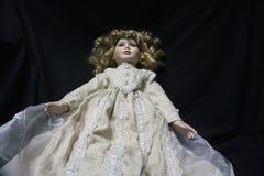 Muñeca pasada de moda espeluznante Imagen de archivo libre de regalías
