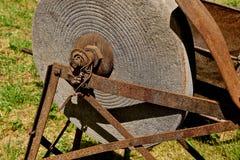 Muela vieja para afilar las herramientas Fotografía de archivo libre de regalías