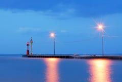 Muelle con el mar azul tranquilo Imagen de archivo libre de regalías