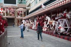 Muelle de la decoración antes de la Navidad en Hong Kong Fotos de archivo libres de regalías