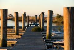 Muelle de madera en el puerto deportivo Imagen de archivo libre de regalías