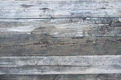 Muelle de madera viejo en el lago Fotografía de archivo libre de regalías