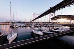 Muelle de Santo Amaro Recreation en Lisboa, Portugal Foto de archivo