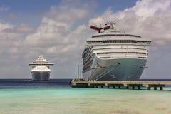 Muelle del barco de cruceros Imagen de archivo libre de regalías