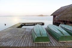 Muelle del barco en el lago Imagen de archivo