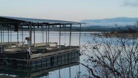 Muelle del barco en travis del lago Imágenes de archivo libres de regalías