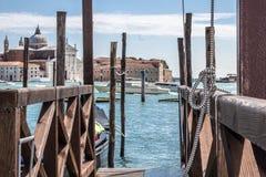 Muelle del barco en Venecia Imagen de archivo libre de regalías