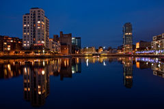 Muelle del canal magnífico en Dublín por noche Fotografía de archivo libre de regalías