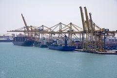 Muelle del cargamento y de descarga de la nave Foto de archivo libre de regalías